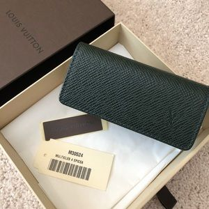 💯Auth Louis Vuitton leather 4 key holder